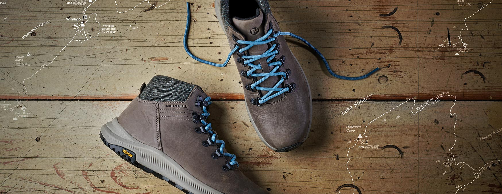 Leather Ontario shoe with blue laces